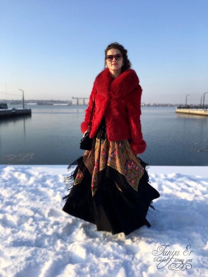 Теплый, яркий образ для холодной зимы.